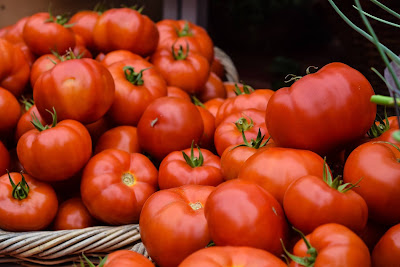 Health benefits of tomatoes,  antiageing by tomatoes