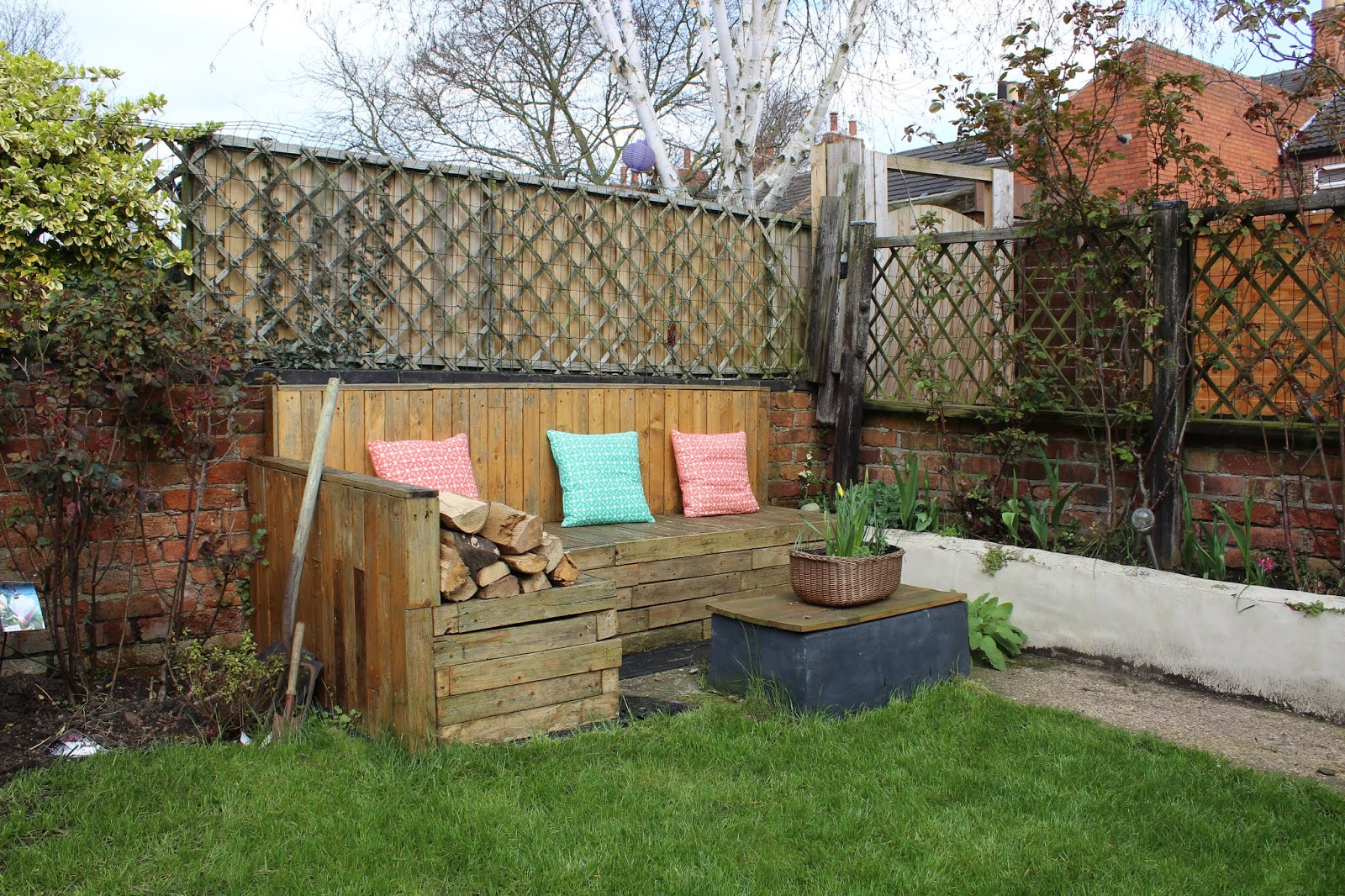 Pallet Seating Corner with Table in Garden
