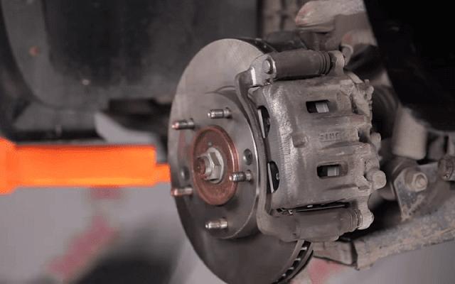 reparar frenos del coche