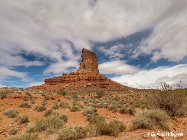 Driving through Valley of the Gods, Utah, Best Utah Scenic Drives