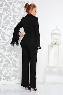 Compleu Artista negru elegant din stofa neelastica cu aplicatii de dantela • Artista