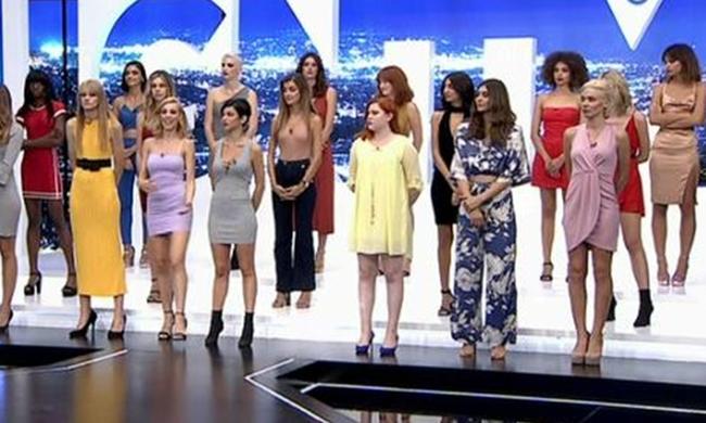 λίστα των εφήβων πορνοστάρ σωλήνας διανομέα