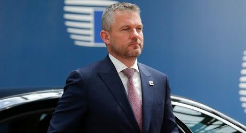 A szlovák parlament elutasította a kormányfő elleni bizalmatlansági indítványt