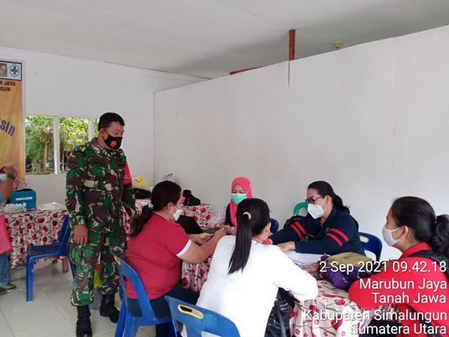 Dalam Rangka Penyuntikan Vaksin, Personel Jajaran Kodim 0207/Simalungun Dampingi Warga Binaan