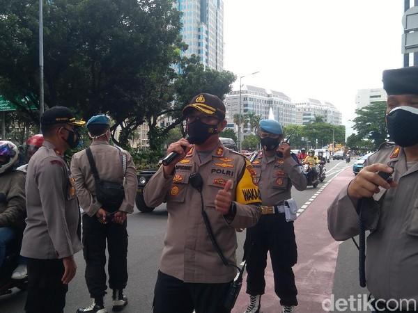 Polisi ke Massa Aksi 1812: Yang Tak Mau Dirapid Test, Jangan Berkumpul
