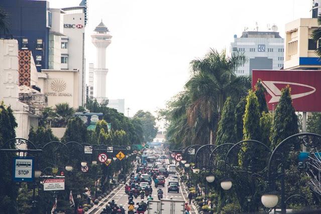 Jalan-jalan di Jalan Braga Bandung 2