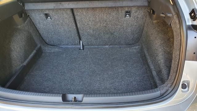 Volkswagen Nivus Comfortline - porta-malas
