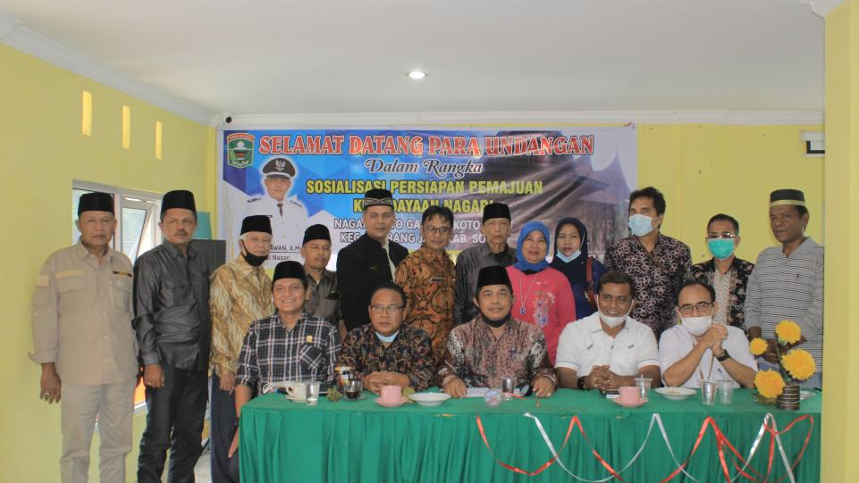 Foto bersama di acara Sosialisasi Persiapan Pemajuan Kebudayaan Nagari Koto Gadang Koto Anau, Kamis 4 Februari 2021. (Dok. Istimewa)