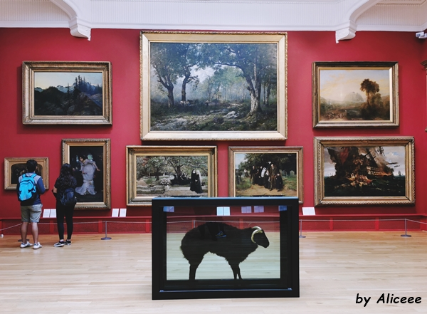 Galeria-de-arta-Leeds