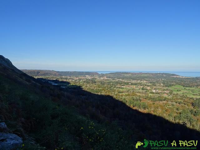 Ruta al Cerro Llabres: Vista de Posada Llanes