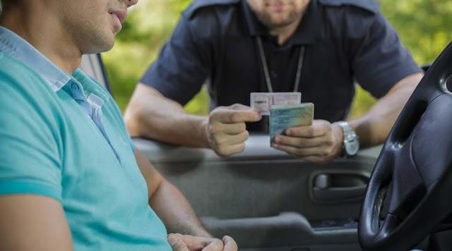 Hamis jogsival bukott le egy sofőr Debrecenben