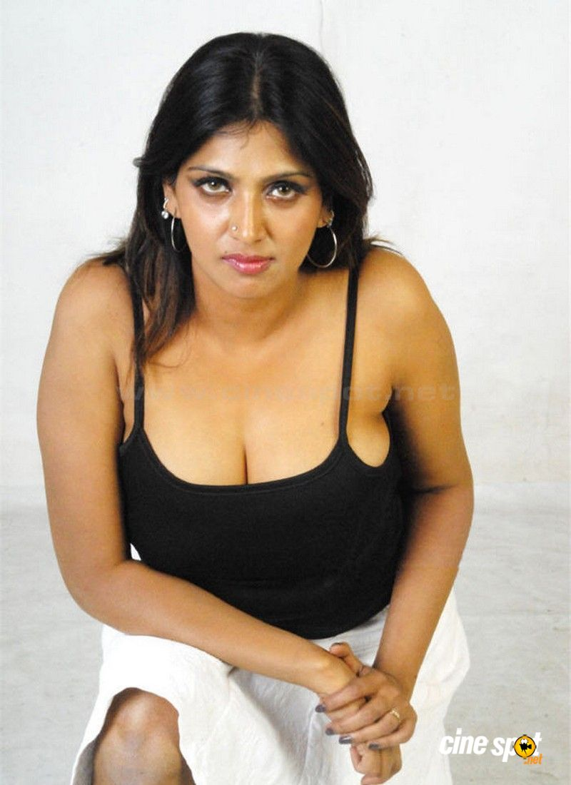 Important Love Rules  Actress Bhuvaneshwari Hot Stills Images-7111
