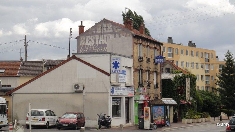 Les murs peints s 39 affichent for Garage renault ecouen