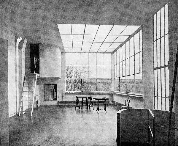 Paris - 14ème - Maison-atelier du peintre Amédée Ozenfant  Architecte: Le Corbusier  Construction: 1922