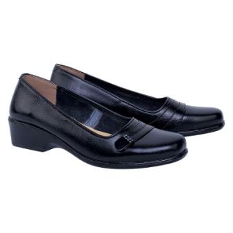 Sepatu Pantofel Wanita Catenzo DM 141