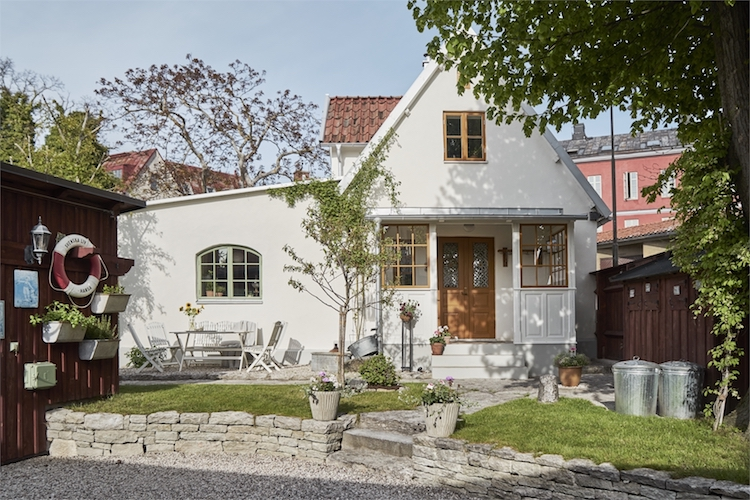 Step Inside A Swedish Summer Cottage Oasis From the 1700s