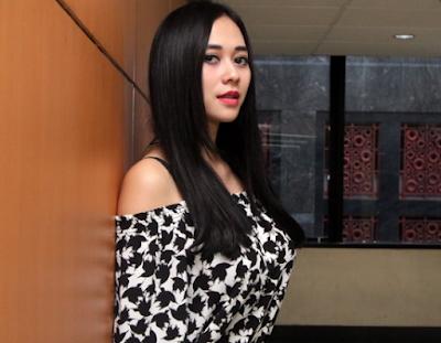 Aura Kasih Artis Indonesia paling Seksi