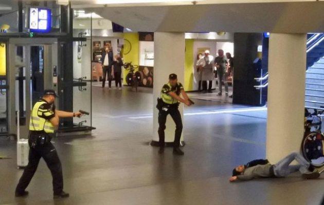 Ο τζιχαντιστής που μαχαίρωσε δύο Αμερικανούς στο Άμστερνταμ το έκανε για να εκδικηθεί τις προσβολές στο Ισλάμ