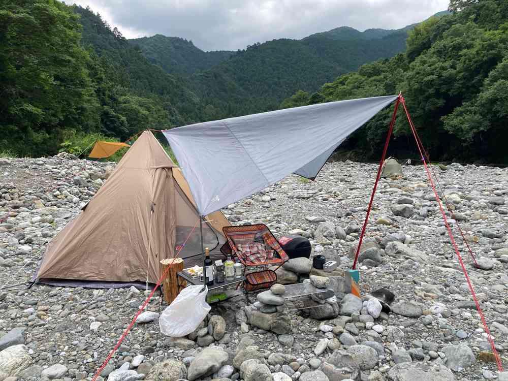 川井キャンプ場 テント設営