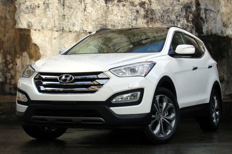 review 2013 hyundai santa fe 2wd 4wd philippine car news car reviews automotive features. Black Bedroom Furniture Sets. Home Design Ideas