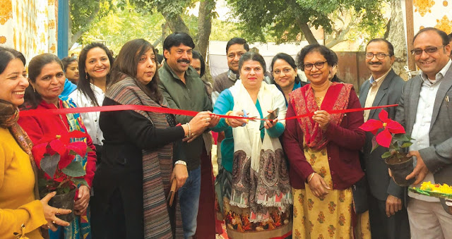 Councilor Geeta Raxwal and councilor Jitendra Yadav inaugurated medical camp in Palla area