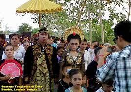 http://roniardy.blogspot.com/2015/02/tradisi-kawin-culik-lombok.html