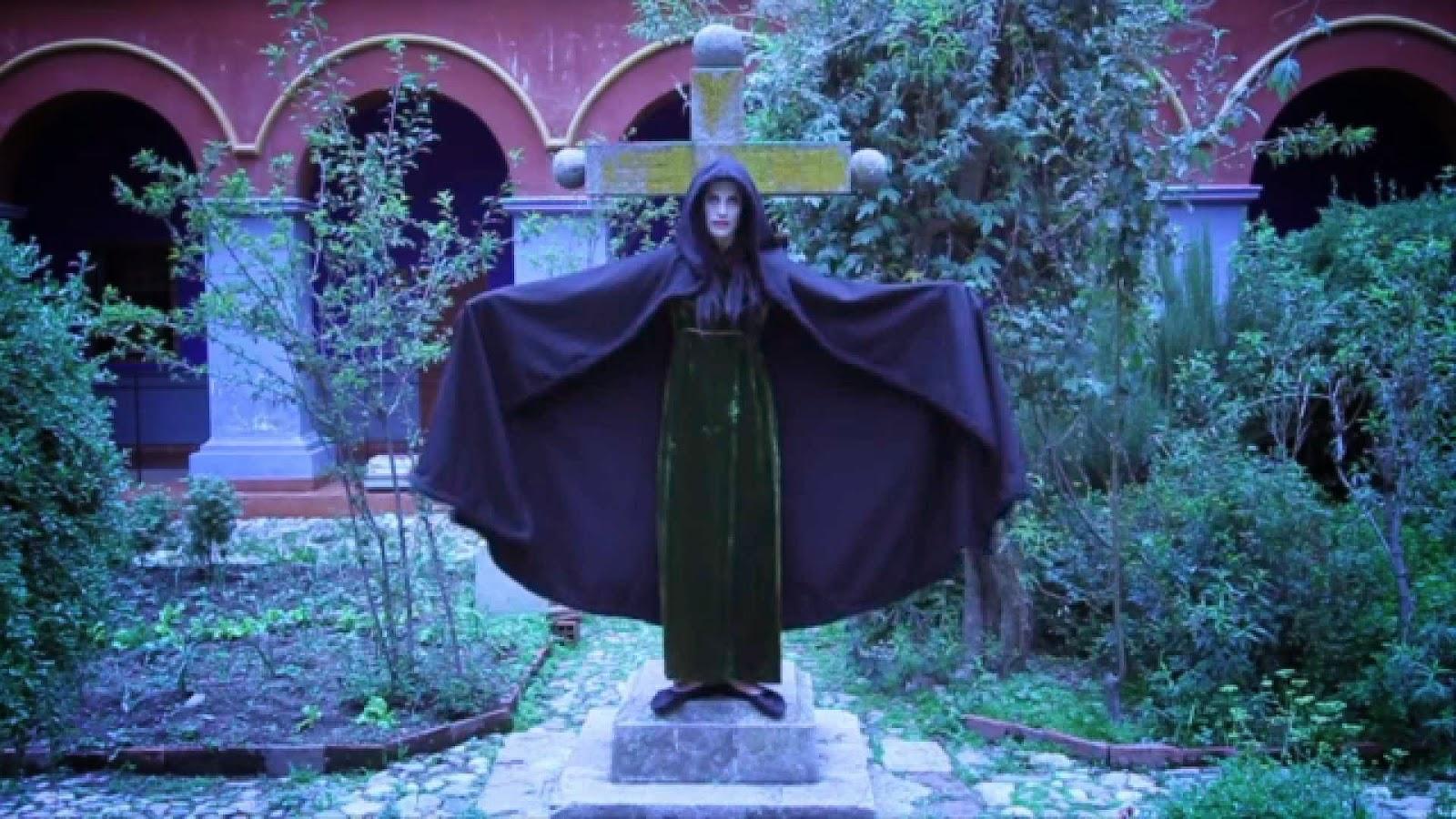 axeman statue film