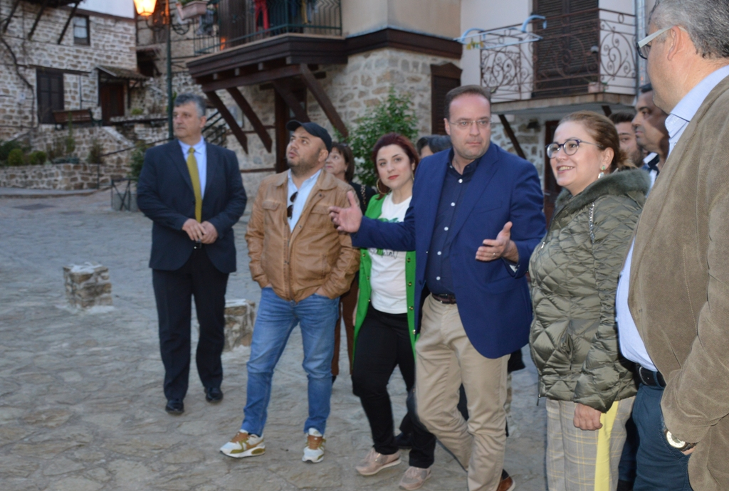 Στέλιος Βαλιάνος και Μαρία Σπυράκη συζήτησαν τη στήριξη της ευρωπαϊκής    διασύνδεσης του Δήμου Αριστοτέλη