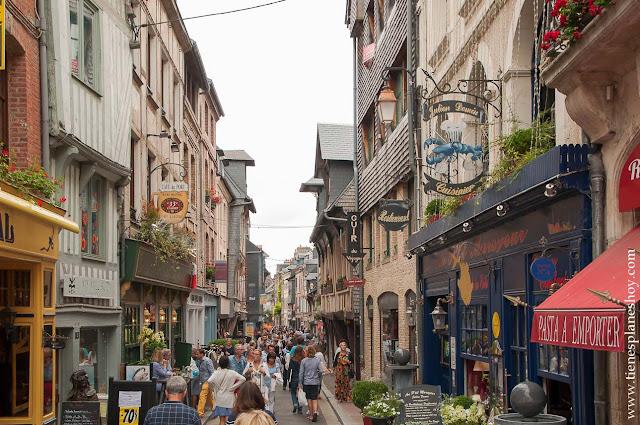 Honfleur que ver en Normandia ciudades pueblos bonitos diario viaje