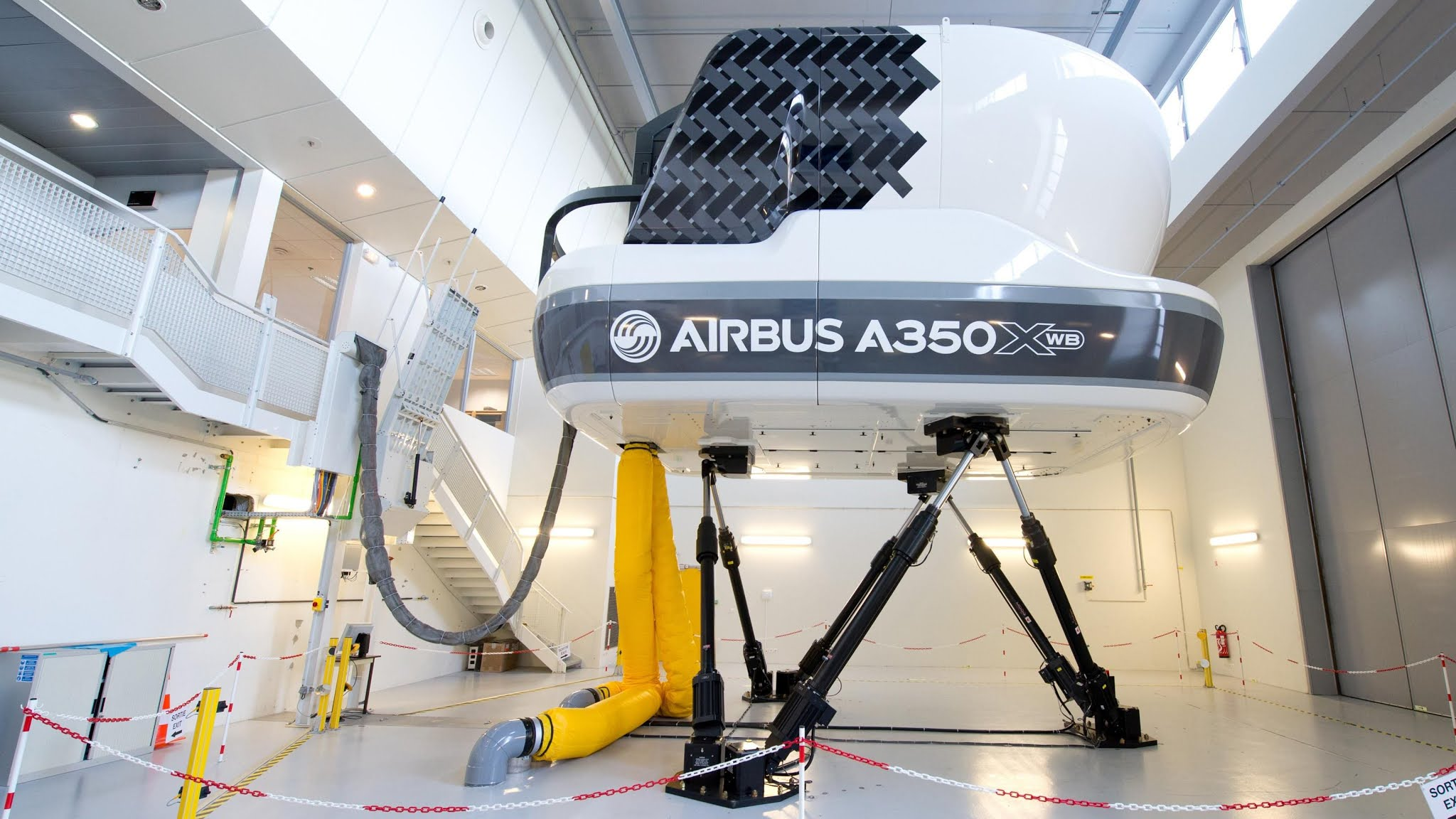 Airbus - Full Flight Simulator - Airbus A350 XWB - 01