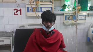 टीबी रोग से ग्रसित युवक ने पी लिया सैनिटाइजर  | #NayaSaberaNetwork