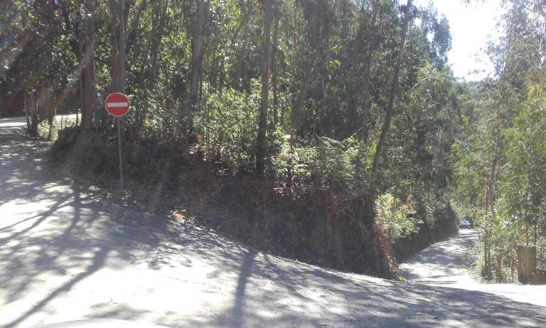 Local de acesso á praia fluvial da cabreia