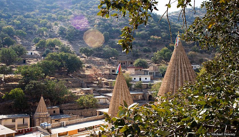 Храм в Іракському Курдистані, 60 км на північний захід від міста Мосул; святиня і місце паломництва єзидів
