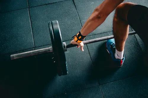أهمية  إرتداء أربطة المعصم أثناء التمرين