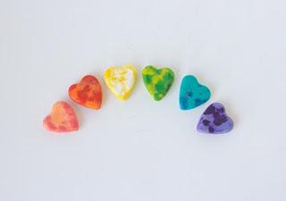 El yapımı kalp süsler