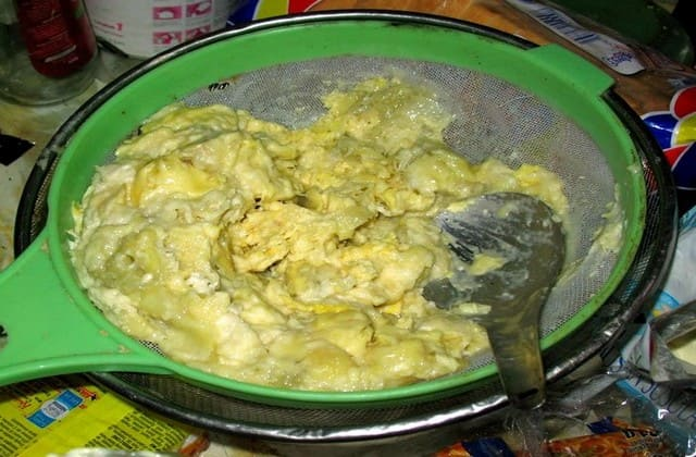 Fermentasi daging durian sebagai pelengkap kulineran kamu di Palembang, tapi yang nggak biasa, sebaiknya makan sedikit dulu