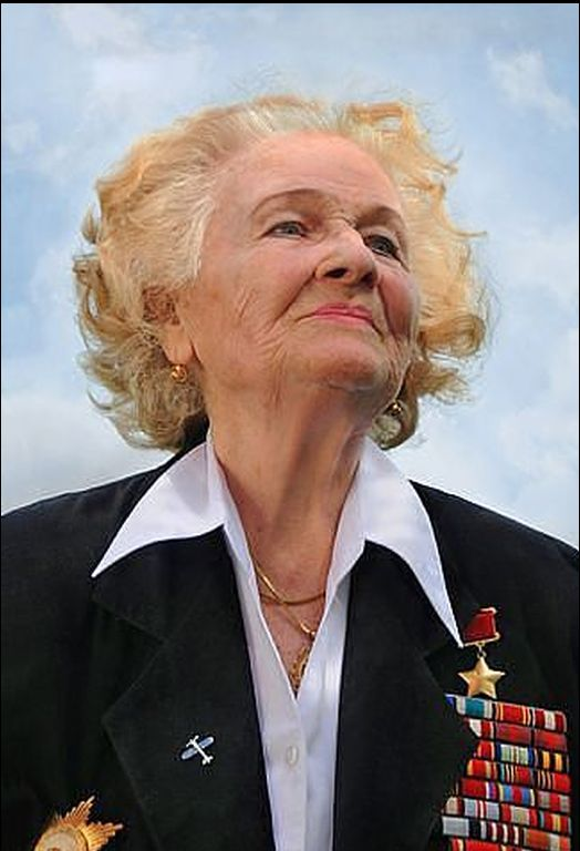 a reflection of the great women pilots in the show night witches After high school, verneda attended a teachers college in chicago before volunter fly for the wasp, the women air force service pilots we don't to show how exceptional this was, from among 25,000 applicants, the army accepted only 1,830 for training in the wasp program, and 1,074 actually earned their wings.