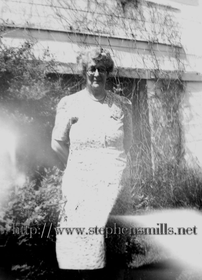 photo of Hannah Emeline Emmons Born in Greenwood, Maine on 8/2/1888  Died in Norway, Maine on 11/23/1958