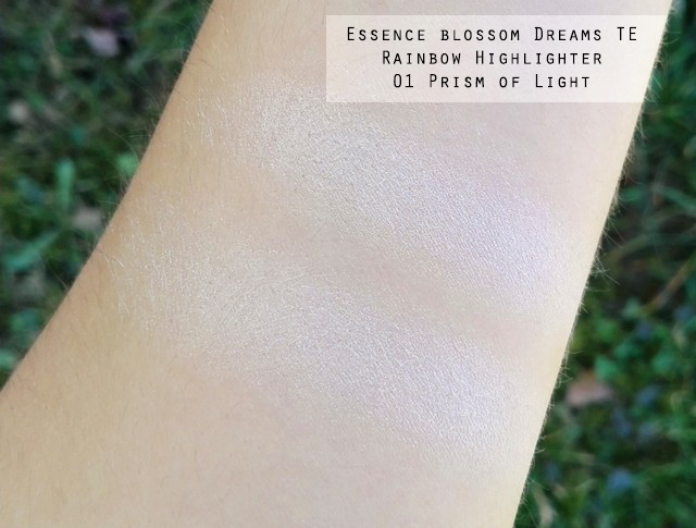 Essence Blossom Dreams TE Rainbow Highlighter 01 Prism of Light Swatches