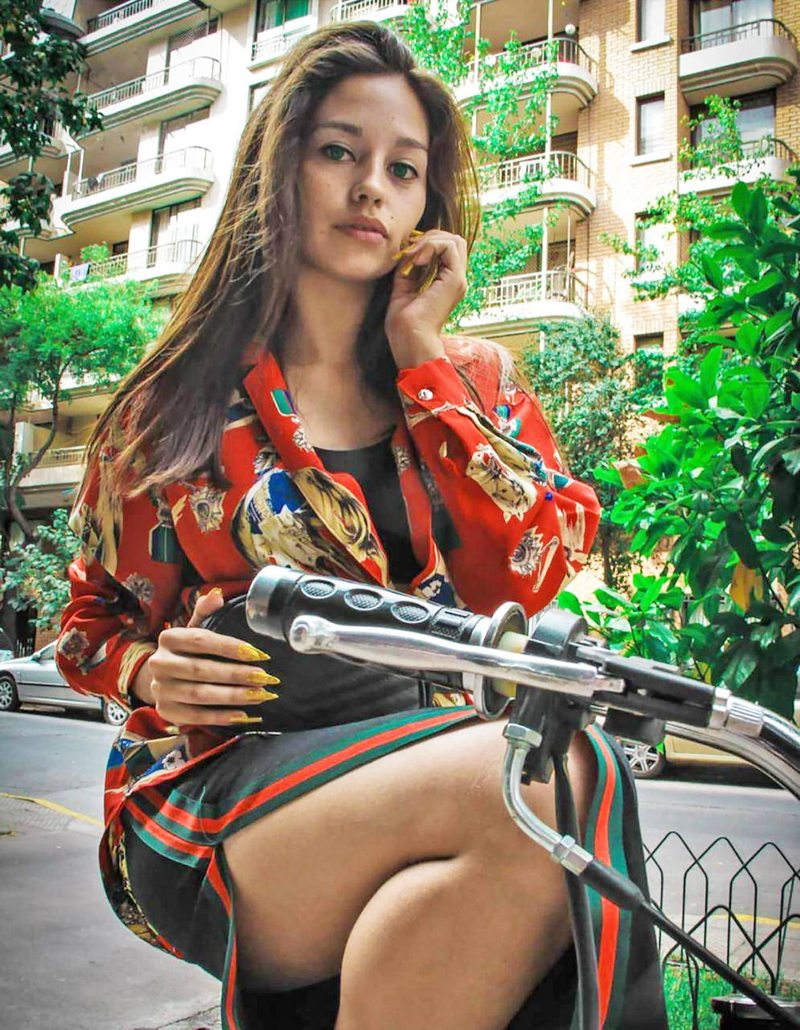 Roban fotos de modelos chilenas para crear perfiles que imitan a OnlyFans