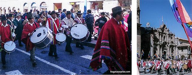 Desfile cívico em Cusco durante a Festa do Sol