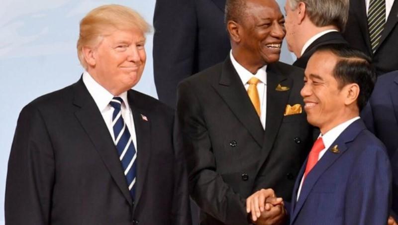 Trump Sampaikan Pada Jokowi Akan Relokasi Pabrik ke Indonesia