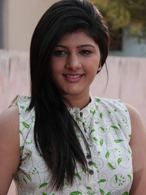 Sona Chopra in Tamil movie Thuttu gallery