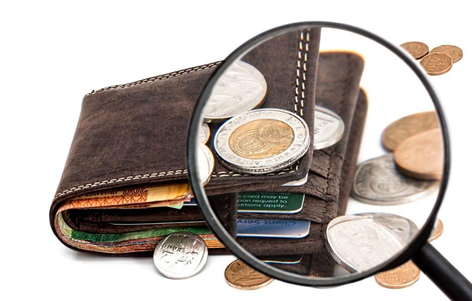 uitgaven onder de loep nemen