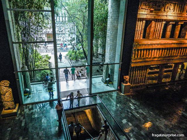 Sala da Cultura Maia no Museu Nacional de Antropologia da Cidade do México