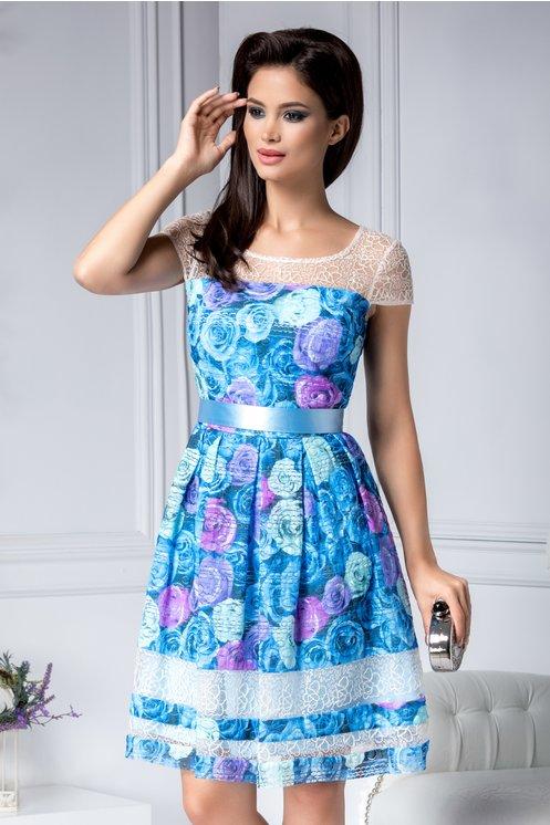 Rochie de seara scurta eleganta in clos albastra cu detalii florale