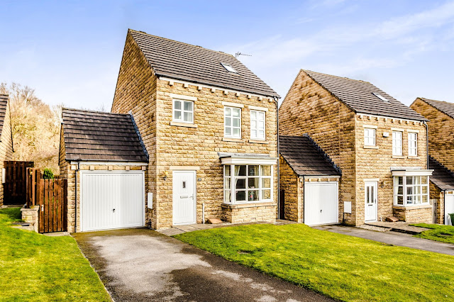 This Is Huddersfield Property - 4 bed detached house for sale Suffolk Rise, Ferndale, Huddersfield HD2