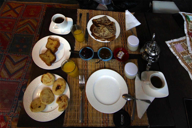 Desayuno en el riad Dar Nakous