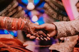 शादी के बाद किसी और से प्यार हो जाए तो क्या करें