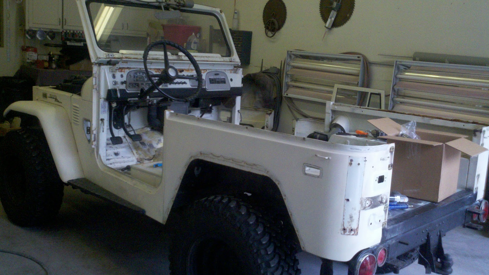 Beech FJ40: First week of restoration